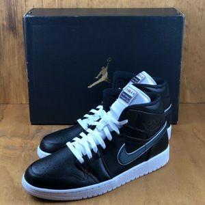 NEW Nike Air Jordan 1 Mid SE